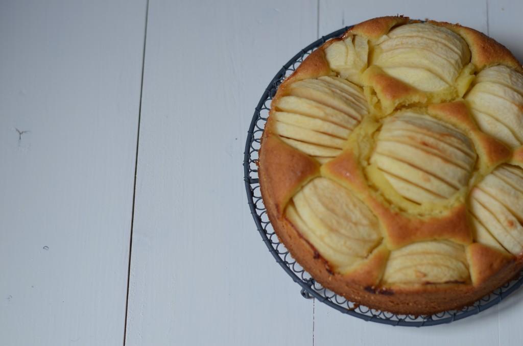 Schlupfkuchen mit Äpfeln