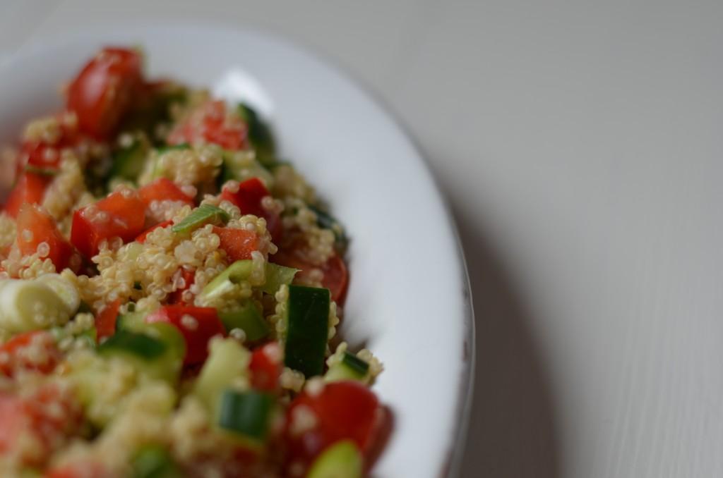 Quinoa-Salat mit Tahini Dressing, Quinoa, Salat, Tahini, Tahin, Sesampaste